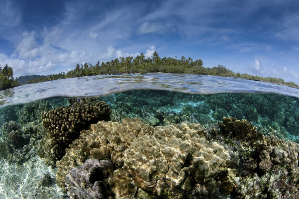 Over/under of the seabed between two small islands